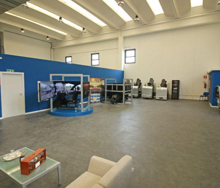 simulatore-di-guida-showroom